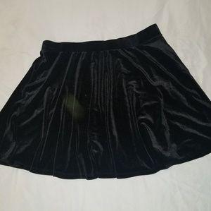 Hot Topic XXL black velvet skirt